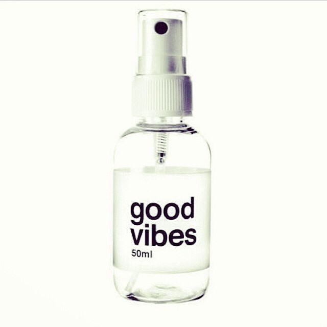 It's a #goodvibes only kind of night! Make it a good one! ?